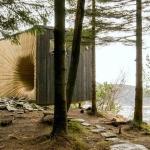 小屋のトンネルを抜けて手に入れる、ノルウェーの絶景「Tubakura Mountain Hub/OPA FORM」