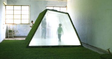お家の解体は、微生物にしてもらおう。「分解」を極めたお家「Lawn House」