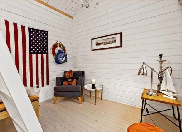 Tiny-Farm-Cottage-Loft-003-600x401
