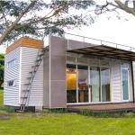 この建物はリゾートホテル?いえいえ、コンテナハウスです「Casa Cúbica – A Tiny Container Home」