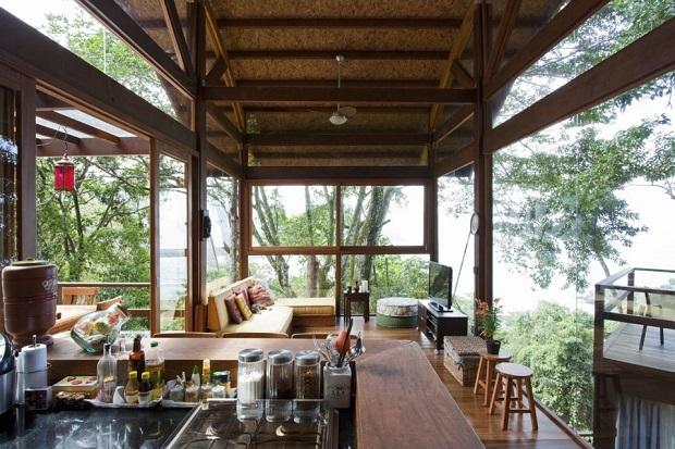 """海も山も、絶景を独り占めできる""""ウバトゥバ""""のガラスの家「CASA DA PRAIA DO FÉLIX」"""