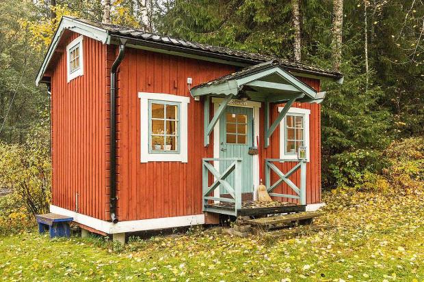 プライベートな空間は小さい方が良い、自然に包まれたタイニーハウス「Tiny Farm Cottage with Loft」