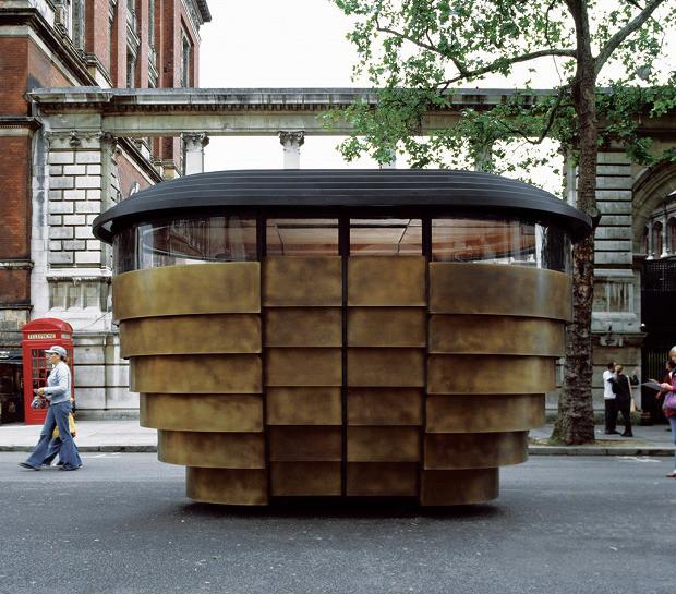 今までのイメージを覆す、ロンドン自治区の新しいキオスク「Paperhouse」