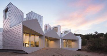 サスティナブルなアルミニウムの家の群れ「Element House」