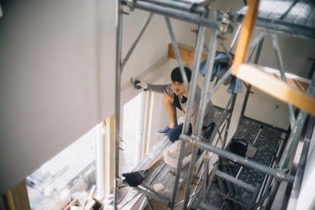 札幌国際芸術祭では、セルフリノベーション真っ只中の家を公開。