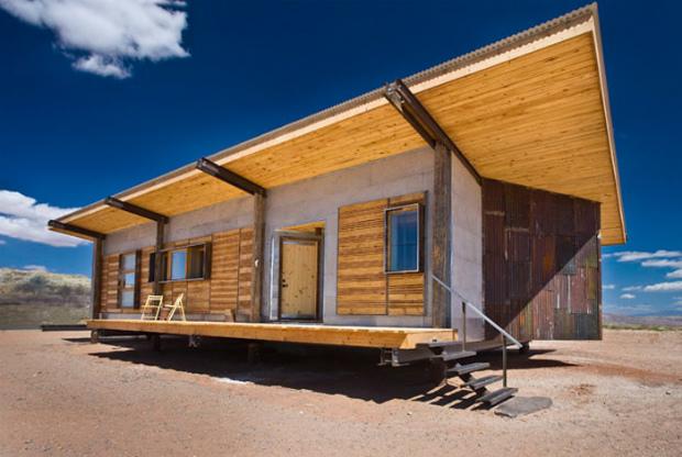 2009年に建てられた「WHITEHORSE」 Via:designbuildbluff.org