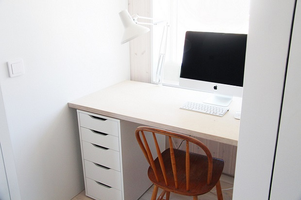 Halo15_desk