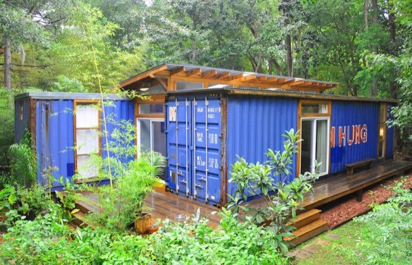 Artist-Shipping-Container-Home-Studio-003-600x387
