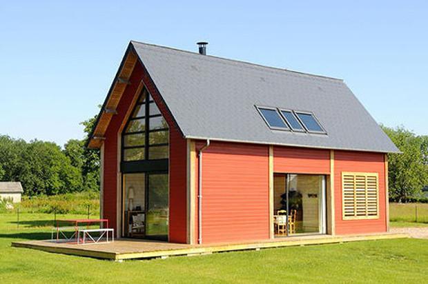 """毎日暮らすなら""""シンプル""""が一番、光にあふれた小さな家「Petite French Country House」"""