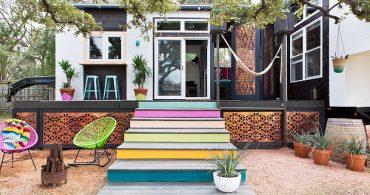 カラフルな色使いをお手本にしたい!オースティンのボヘミアン・トレーラーハウス「Bohemian house」