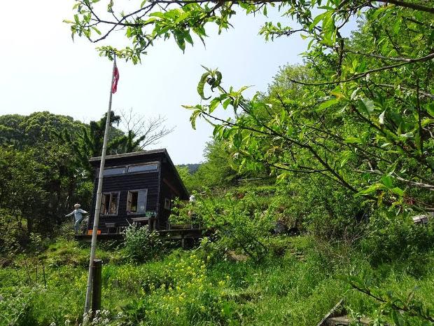 イェンスさんが神奈川県小田原市につくったコミュニティガーデン「エノコロ」