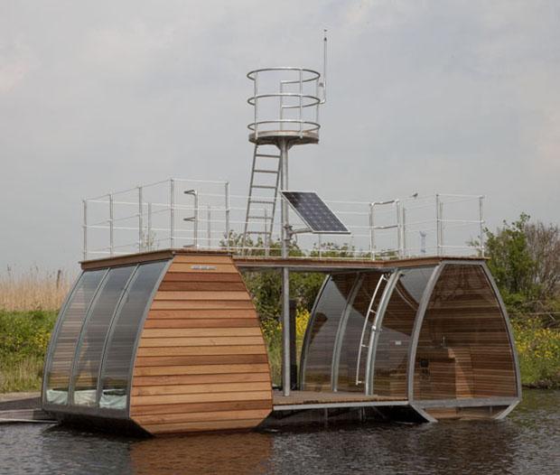 行き先は流れに任せて、水に浮かび自由に漂う隠れ家「Catamaran Suite」