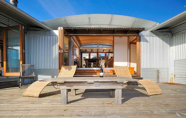 地球に優しいアルミの箱、サステナブルな素材で作られた家「Ecoshelta prefab homes」