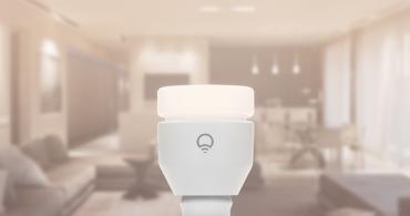 シーンに合わせて色を変えよう。スマホで操作する照明「LIFX」  IoTがつくる未来の家