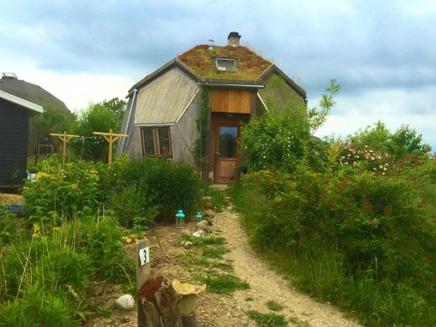 【新連載】第1回:幸せのヒントは「住」にアリ!?デンマーク人の住まいへのこだわり|北欧エコビレッジで暮らそう
