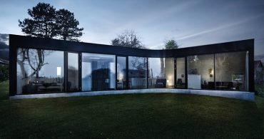 これがプレハブですか!? 曲線が美しい、増築可能な家「Villa One」