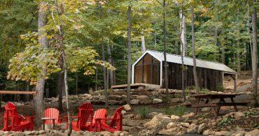 森の中でヨガはいかが?28㎡のプレハブスタジオ「bunkie Yoga Studio」