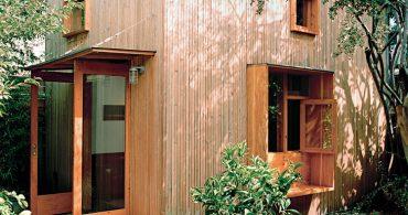 築100年の納屋を改装したデザイナー夫婦の、暮らせる仕事場「Built-In Style」