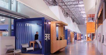 低予算でもここまでできる、コンテナをパーテーションに使ったオフィス「Pallotta TeamWorks」