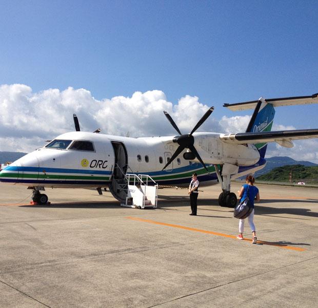 福江島までは長崎と福岡空港から飛行機がでています。初めて一人で乗る小型機はかなりどきどき、、、高速船も出ていますが時化だと船が出ないので要注意。