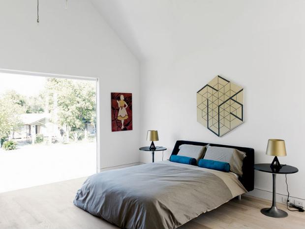 row-on-25th-bedroom