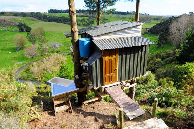 tree-bach-in-NZ-tub01