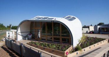 ハイテクの布で太陽エネルギーを有効利用、学生が創ったソーラーエコハウス「Tecstyle Haus」
