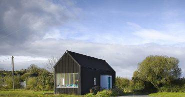 脱住宅ローン!412万の資金で自分たちで家を建ててみた「€25K House Prototype」
