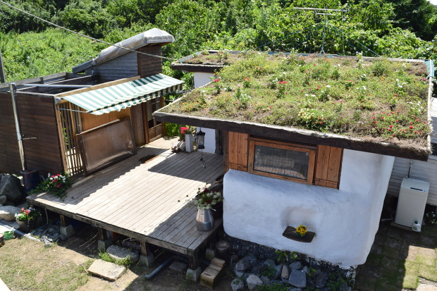 【インタビュー 】「人生やったもん勝ち!」女性ひとりで家を建てた本山早穂さんの、自分でつくる暮らし|日本でも始まっている小さな住みかた。アイム・ミニマリスト