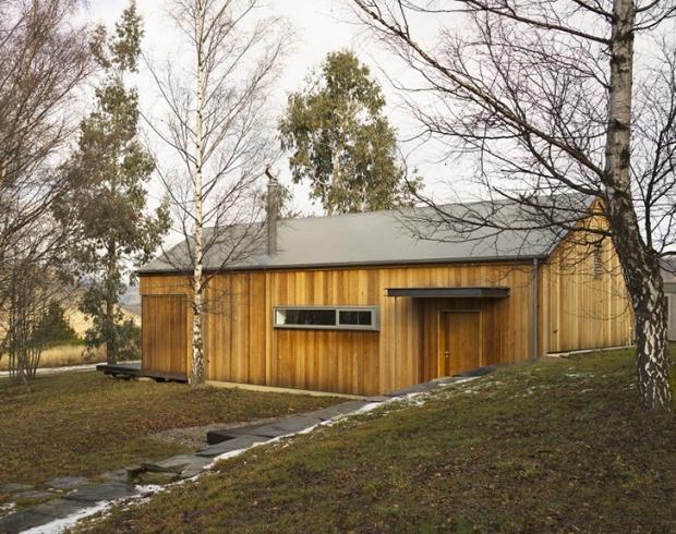 作りたかったものは、お客さんが安らげる時間。木々に囲まれた贅沢な離れ「Wakatipu Guest House」