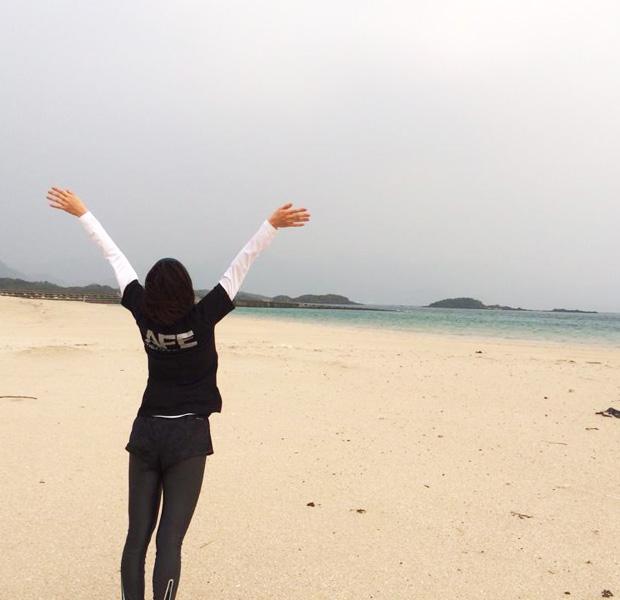 島では、早起きしてランニングやヨガをしたり、暮らすように旅するのがおすすめです。