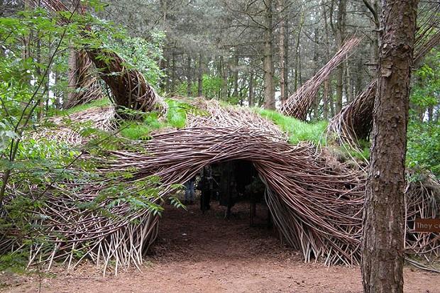 アートか家か、鳥の巣か。生きているみたい!なアートを創造する「The Willowmans Sculptures 」