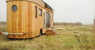 夢をカタチに!オフグリッド・トレーラーハウスを自作できる「Wohnwagon」