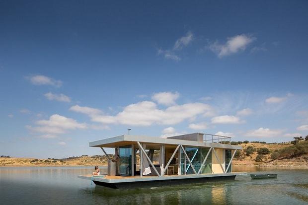 必要なときに、行きたい場所へ。移動可能な、湖に浮かぶ別荘「floatwing」