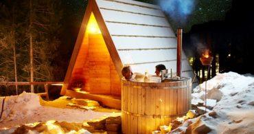 究極のミニマル宿!露天風呂付きの三角キャビン「GOZDNE VILE GLAMPING」