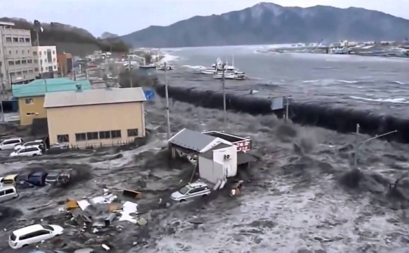 3.11東日本大震災。津波で全てのものが一瞬にして流されてしまう凄まじい光景を目の当たりにする