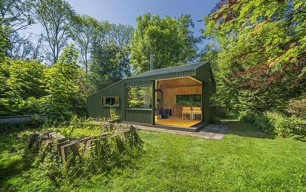 自然派作家もうらやむ?公園の木々に隠れる隠れ家「Thoreau's cabin」