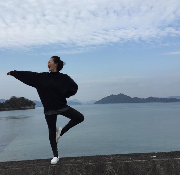 愛媛県大三島にて。海は毎日のように見ていますが、やはり離島の海は格別で思わずテンションがあがります。