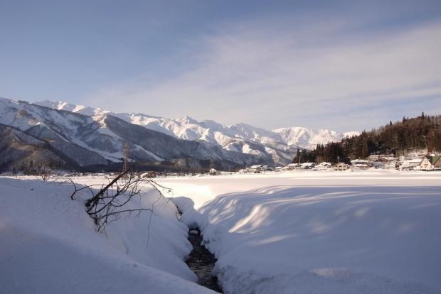 雪国での暮らしは大変であるが、ご褒美のような景色がそこにある。