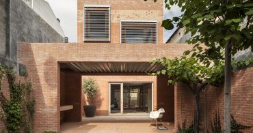 わずか6.5m の幅を利用した、驚きの広々住宅「House 1014」