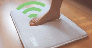 これがあれば寝坊知らず?絶対に起きることができる目覚まし機能付きマット「Ruggie」| IoTがつくる未来の家