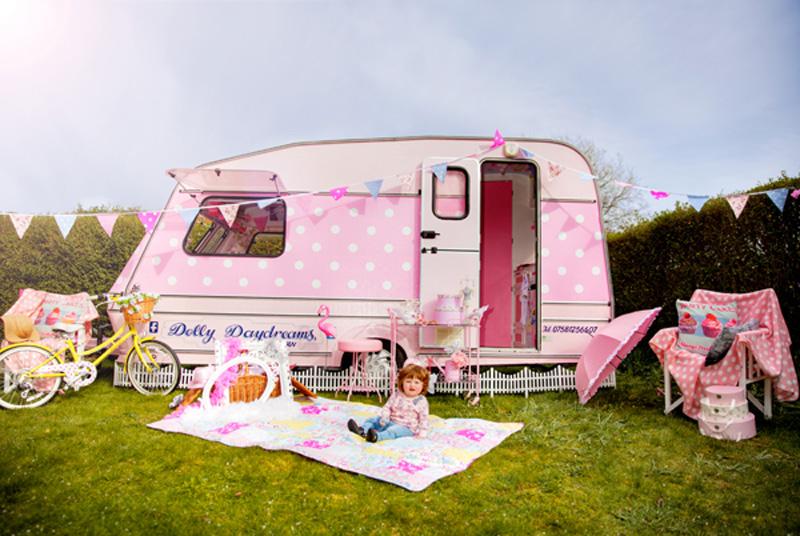 おもてなしでもう悩まない!誕生日や女子会に出張パーティーはいかが? 「Dolly Daydreams Party Caravan」