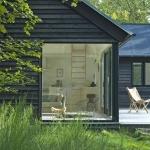 わくわく!どう使おう?テラスのあるL字型の家、「Vacation Cottage」