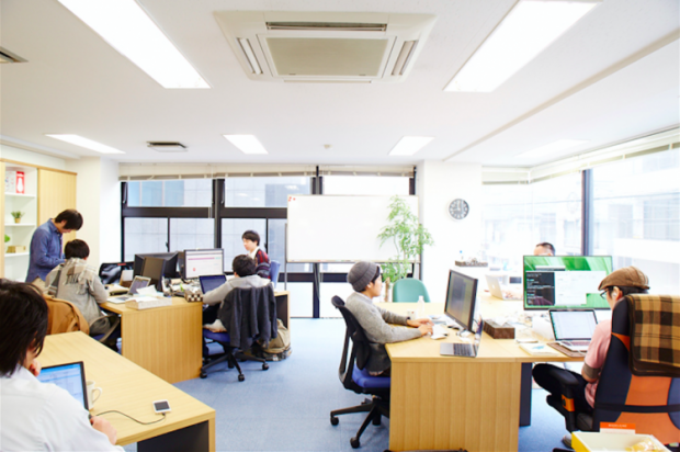 01_office-750x499