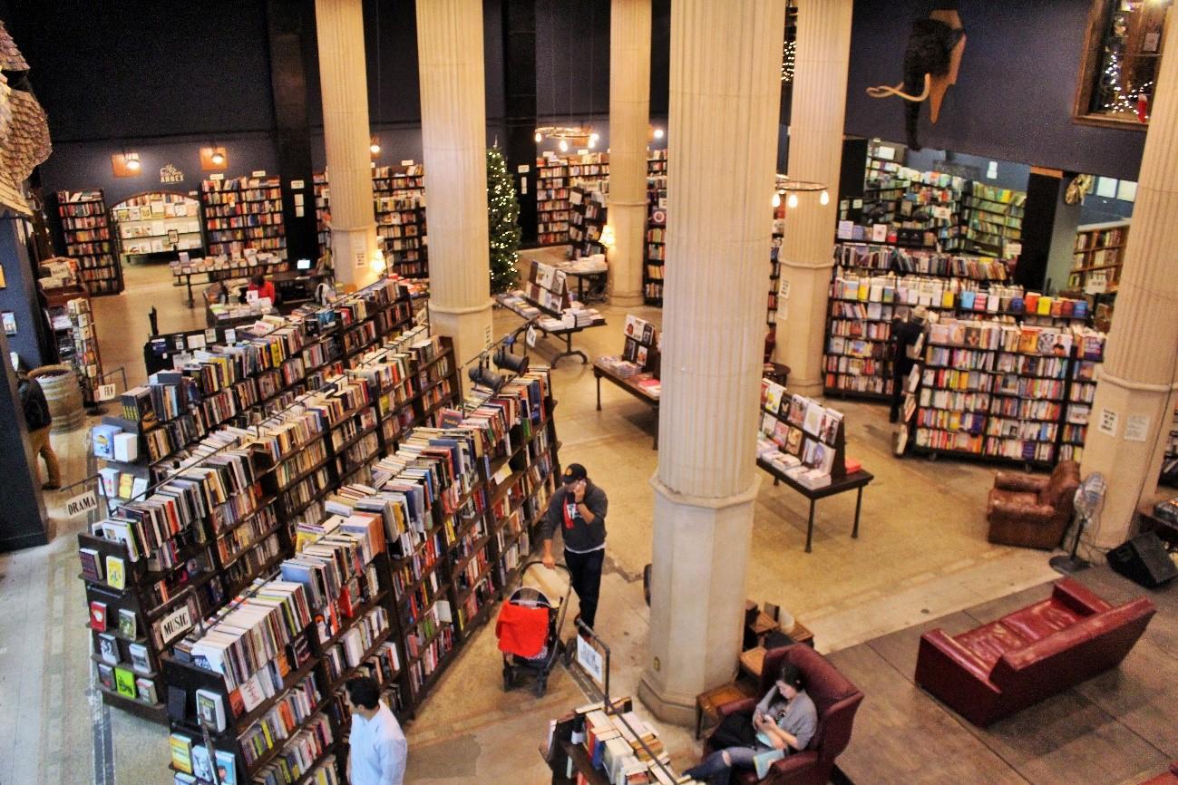 【前編】100年前の銀行が書店に。ロサンゼルスで見つけた「世界で最も美しい本屋」