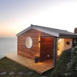 目の前に広がる絶景とともに、極上の時間を過ごそう「320 Sq. Ft. Tiny Beach Cottage with Cliff Top Views」
