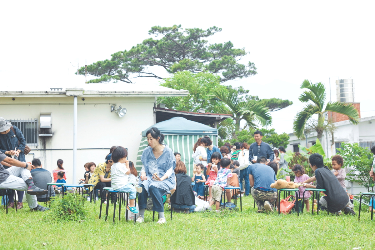 沖縄市のカフェ「Roguii」で開催されたチャリティーイベント。家族と過ごす時間が増えた