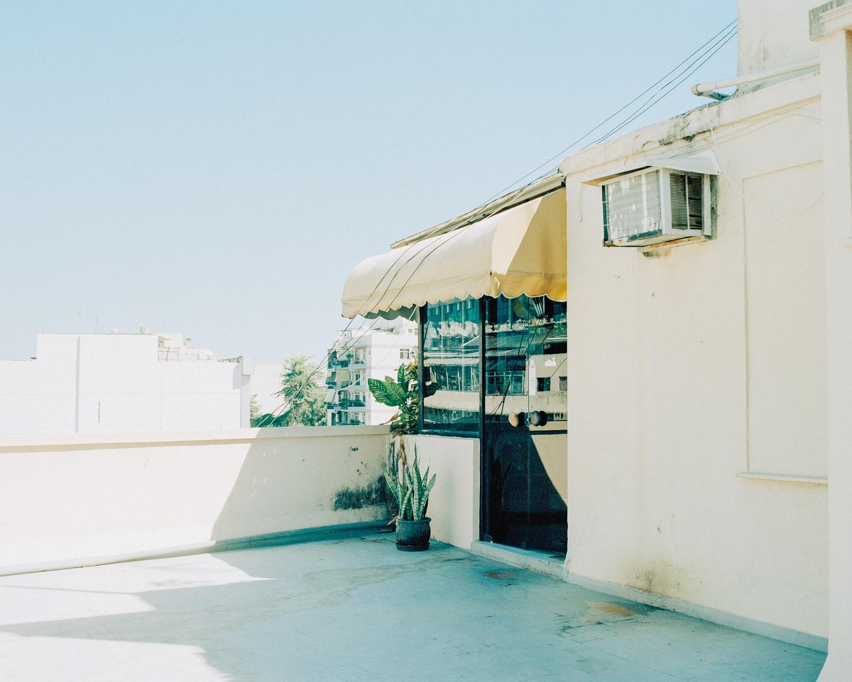 リオ・デ・ジャネイロでようやく見つけたラボは雑居ビルの屋上にあった