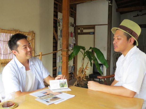 エンジョイワークス濱口さん(左)とYADOKARIさわだ(右)