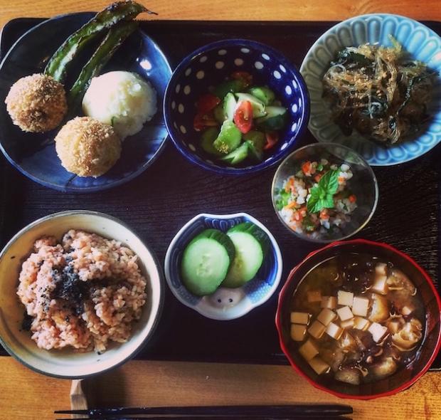 赤峰さんのお弟子さんがやっている定食屋「正直飯」の料理。どれも絶品でした。